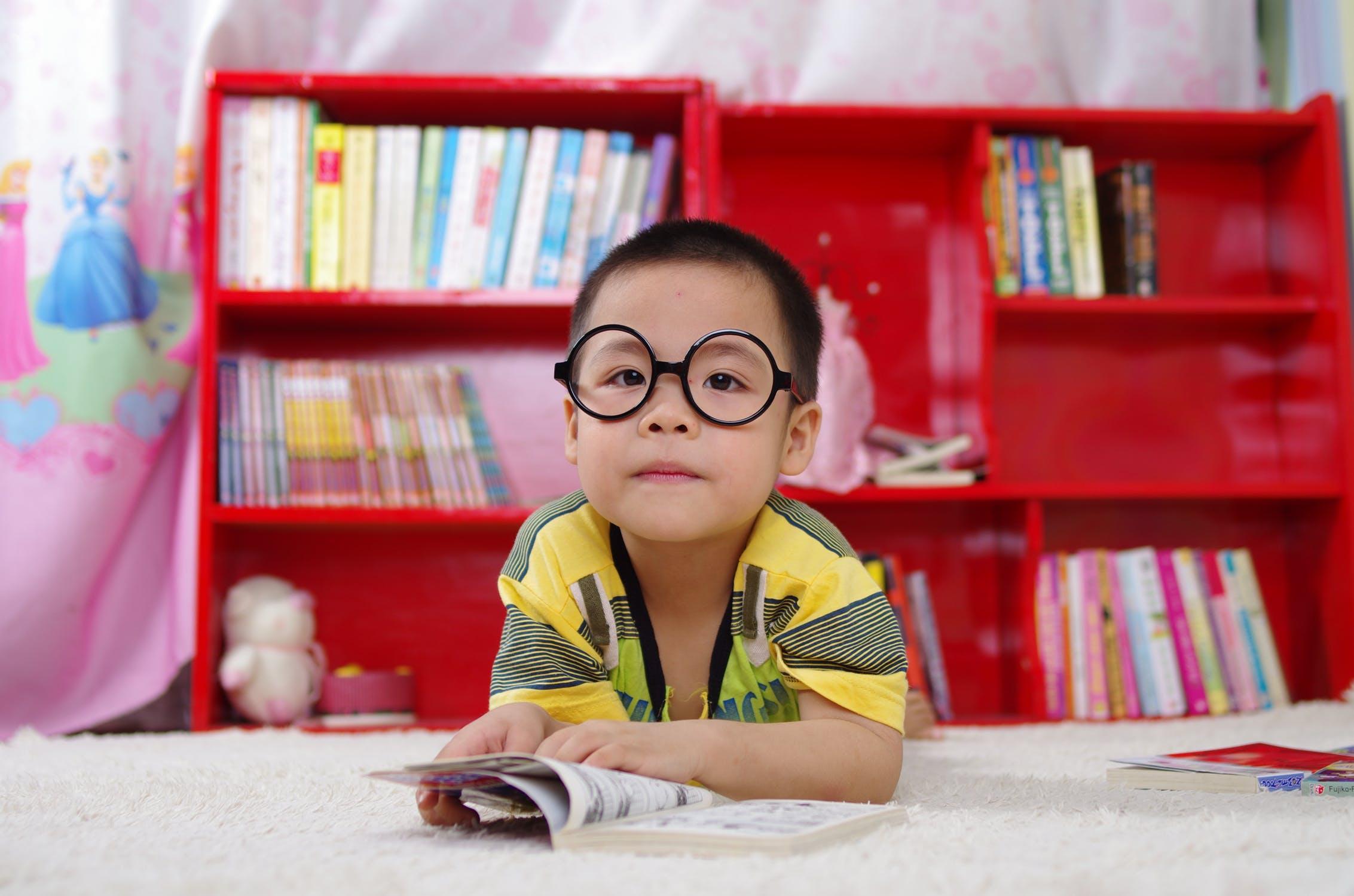 Ayudando a que nuestros niños se enamoren de la Lectura…